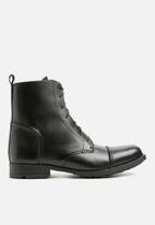 Superbalist - Lace up leather military boot - black