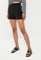 Superbalist - Side button short - black