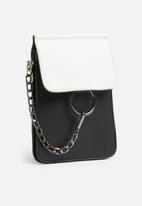 dailyfriday - Alissia chain crossbody - black & white