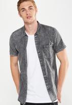Cotton On - 91 shirt - black