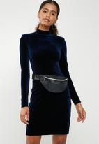 dailyfriday - Azealia waist bag - black