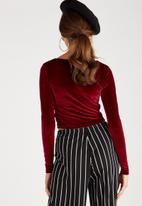 Supré  - Luxe verlour long sleeve cross over top - burgundy