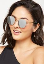 Cotton On - Lucinda metal pilot sunglasses - gold
