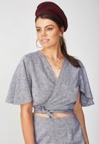 Supré  - Coco tie front top - grey