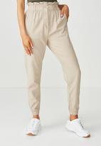Supré  - Soho paperbag waist pant - beige