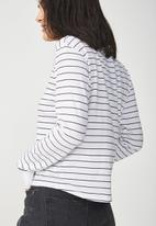 Cotton On - Tbar Tammy chopped graphic long sleeve tee - black & white