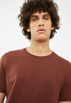 Cotton On - Essential crew tee - brown