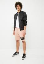 Only & Sons - Stripe sweats shorts - pink