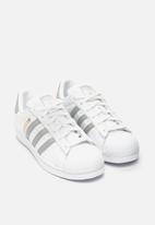 adidas Originals - Superstar W - Ftwr White / Grey Two / Ftwr White