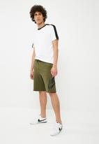 Nike - Nsw shorts gx - green