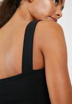 Superbalist - Square neck vest - black