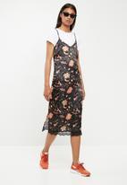 Superbalist - Midi slip dress with lace hem - multi