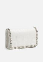 Missguided - Chain trim faux leather cross body bag-white
