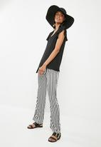 Superbalist - Ruffle sleeve key hole blouse - black