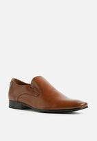 Call It Spring - Upper slip on - tan