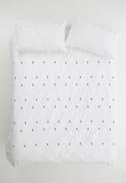 Sheraton - Bravo embroidered duvet set cover - white & black