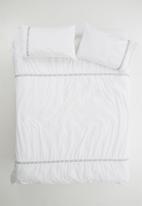 Sheraton Textiles - Elfin embroidered duvet cover set - white & grey