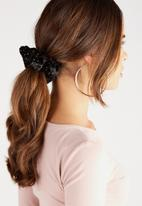 Supré  - Scrunchie - black