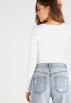 Supré  - Long sleeve deep v - white