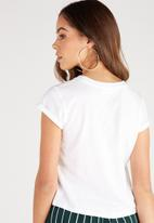 Supré  - Baby Tee-White