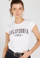 Supré  - Printed baby tee - white