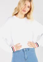 Supré  - Slouch Sweat-White