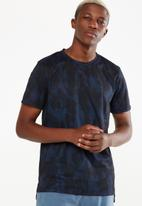 Cotton On - Coar active tee - black & blue