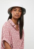 Superbalist - Bucket hat fabric - silver