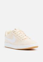 Nike - Court Royale SE - Guava Ice / Gum / Light Brown