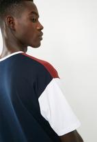 Superbalist - Loose fit colour-blocked tee - navy & burgundy