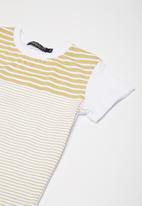 Superbalist - Kids boys stripe print tee - khaki and white