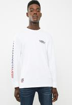 Vans - Crossed sticks tee - white