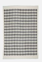 Sixth Floor - Croci printed rug - grey & blue
