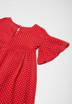 Superbalist -  Fluted sleeve dress - red & white