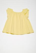 Superbalist - Anglaise Ruffle sleeve blouse - Yellow