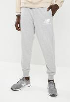 New Balance  - Essentials sweatpants - grey