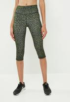 dailyfriday - Animal print capri leggings - green & black