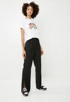 Superbalist - Long leg pant with popper detail - black