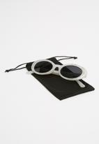 Superbalist - Kendall retro sunglasses-white