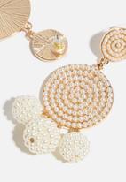Superbalist - Kate pearl earrings - cream