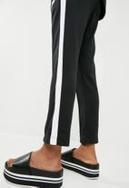 Nike - NSW pant - black & white