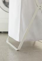 Yamazaki - Tower laundry basket - white