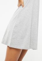 Jacqueline de Yong - Calm dress - grey