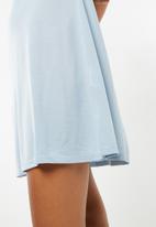 Jacqueline de Yong - Calm dress - light blue