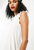 Jacqueline de Yong - Calm dress - white