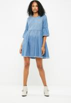 Jacqueline de Yong - Shine 3/4 wide sleeve dress - blue
