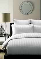 Linen House - Lucerne duvet cover set - white