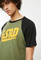 G-Star RAW - Buckston raglan short sleeve tee - green & black