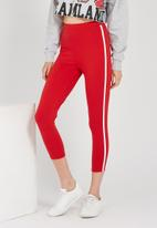 Supré  - The side stripe legging - red