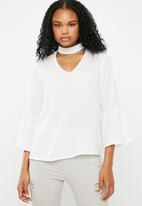 Superbalist - Choker blouse with bell sleeve - white